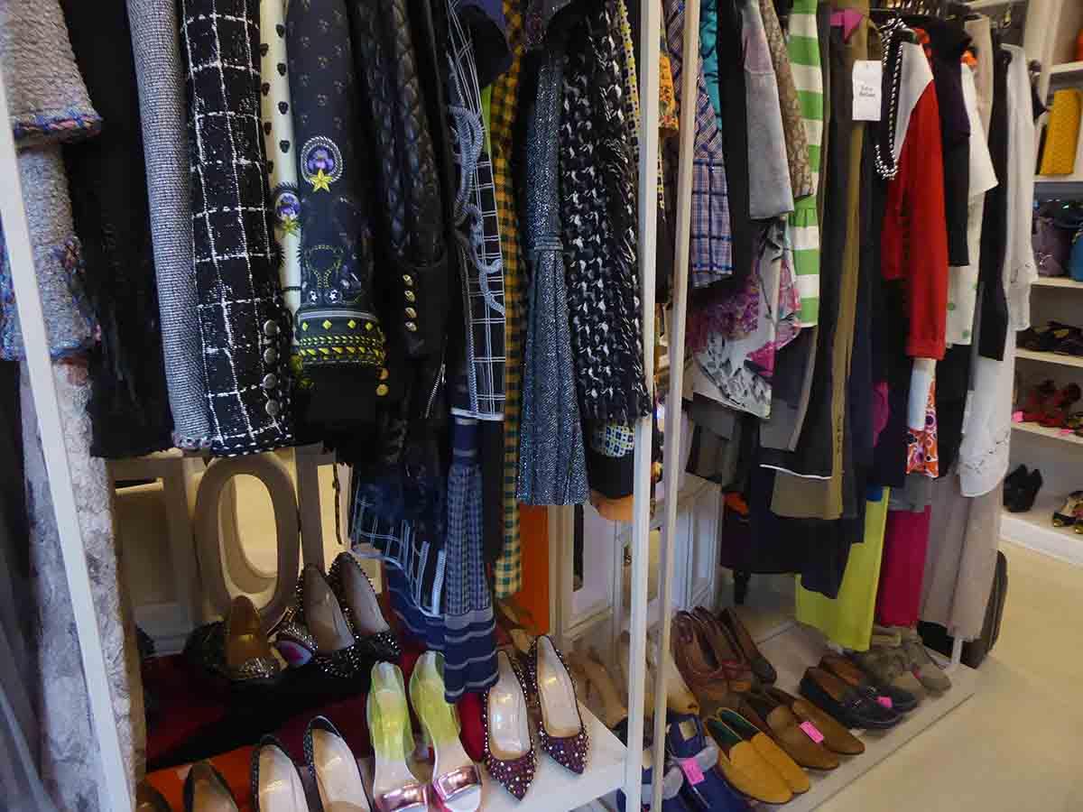Vintage Clothing & Accessories in Bangkok Brandlover