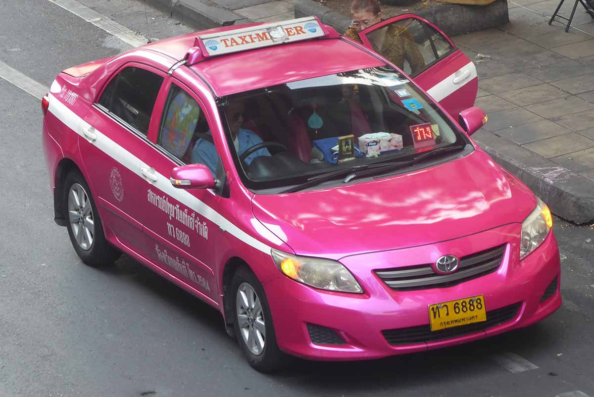 How to take a taxi in Bangkok