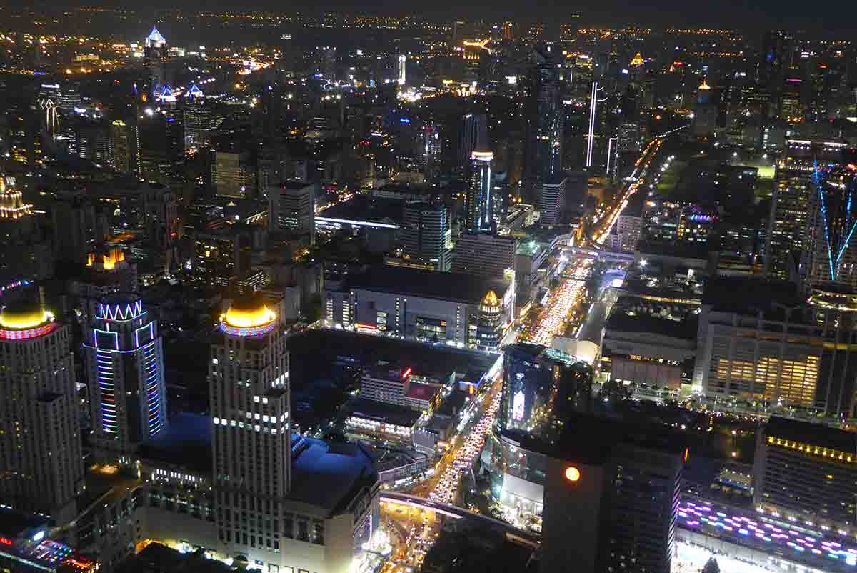 night time views of Bangkok