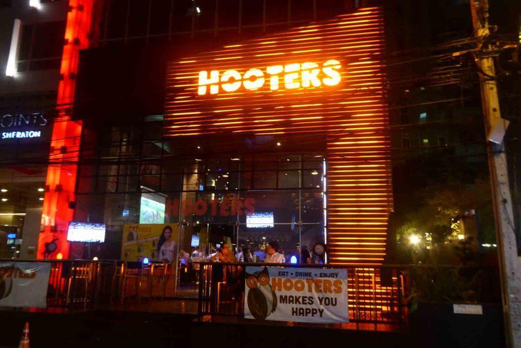 Hooters Sukhumvit 15 Bangkok