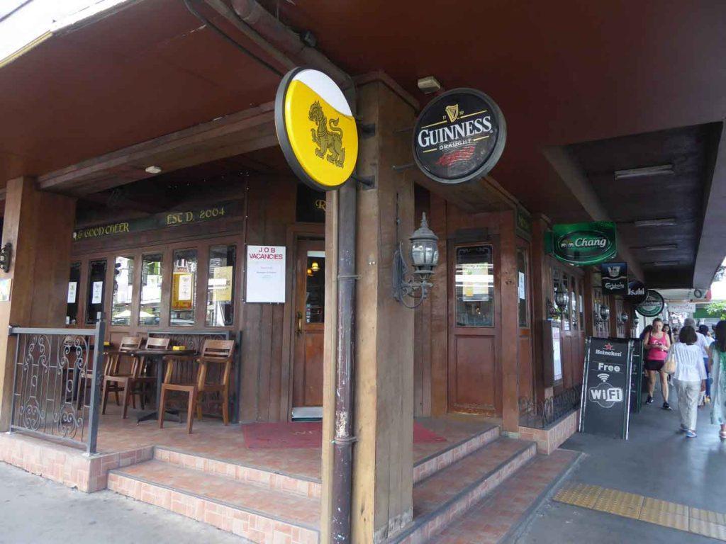 The Robin Hood pub in Bangkok