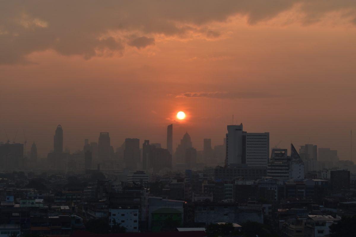 Sunrise at the golden mountain temple in Bangkok