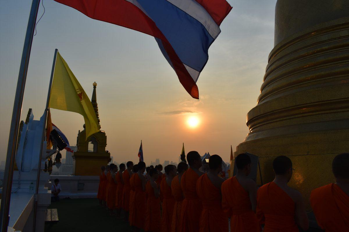 Sunrise ceremony at Wat Saket