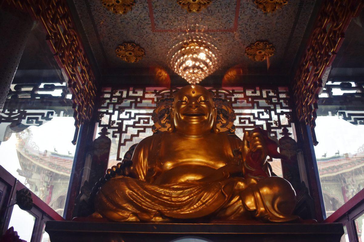 Wat Poe Man Khunaram Temple in Bangkok