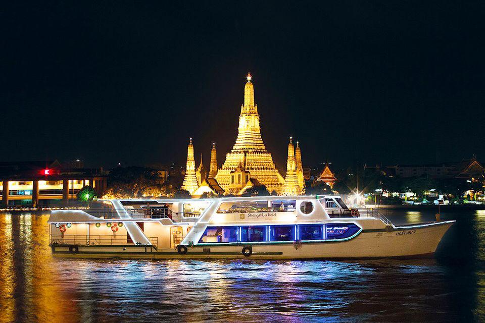 Shangri-la Horizon Dinner Cruise